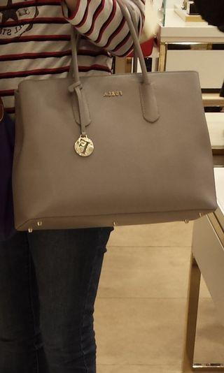 Furla Leather Handbag  女装手袋 全新 購於英國