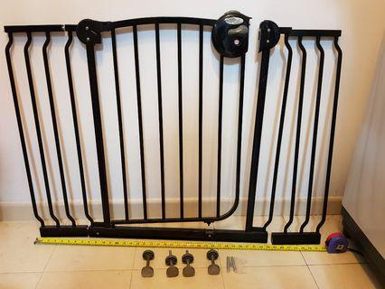 🚚 Lucky Baby Safety Gate