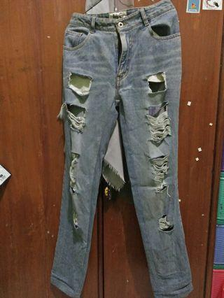 Ripped Jeans Celana Jeans