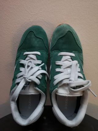 New Balance 520 Green