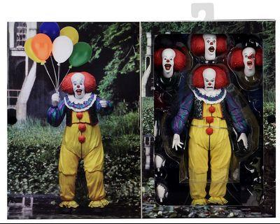 IT PENNYWISE NECA CLOWN ACTION FIGURE
