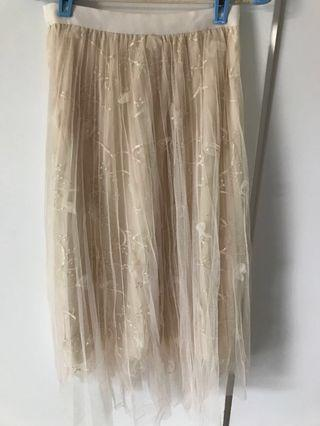 🚚 Pretty feminine skirt - Pleated outer layer with inner embroidered lace/pearl studded layer and another lining layer (3 layers). Value for money
