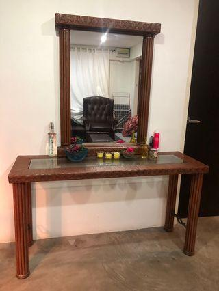 🚚 Console Table and Mirror