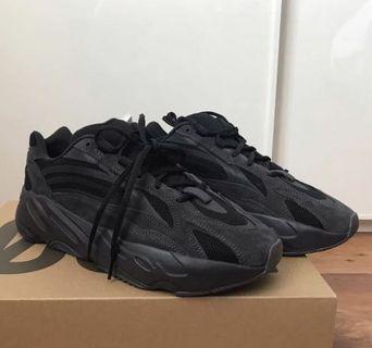 Black Yeezy 700