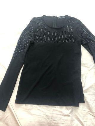 🚚 Zara black beads top