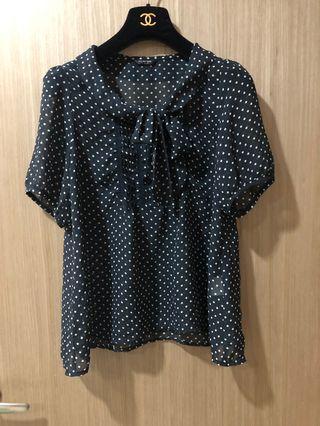 🚚 [奇怪的孩子]日本深藍色點點 蝴蝶結綁帶 雪紡紗襯衫