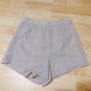 🚚 TCL Unas Shorts in Khaki Stripes