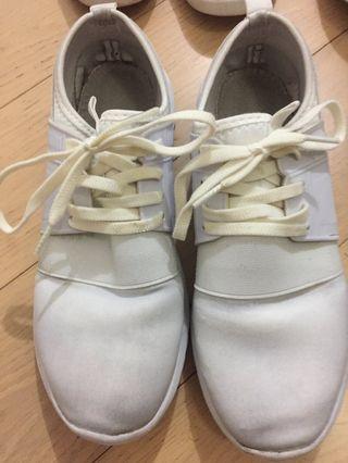 Uniqlo GU Japan 日系 M 碼 白波鞋 EU 37 / UK 4