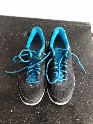 🚚 Nike 慢跑鞋 US9