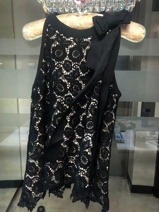 🚚 Black lace with ribbon blouse