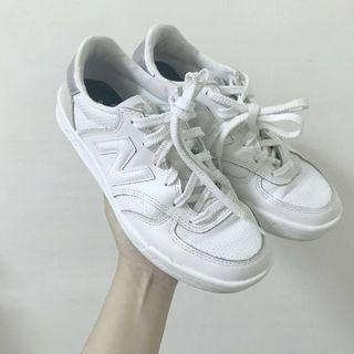 NEW BALANCE 300 紐巴倫 白鞋 女鞋 白 銀