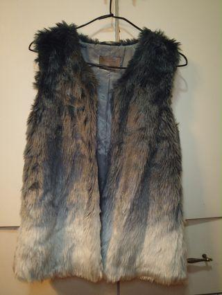 Zara faux fur blue 毛毛背心