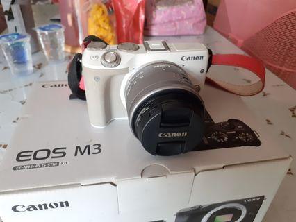 FS: Canon EOS M3 EF-M15-45 IS STM Kit rarely used ada bonus