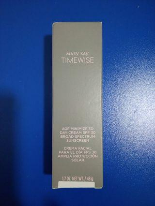 Mary Kay Timewise - age minimize 3D day cream SPF 30 broad spectrum sunscreen