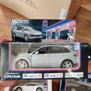 Full set of collection of Porsche die-cast 1:32