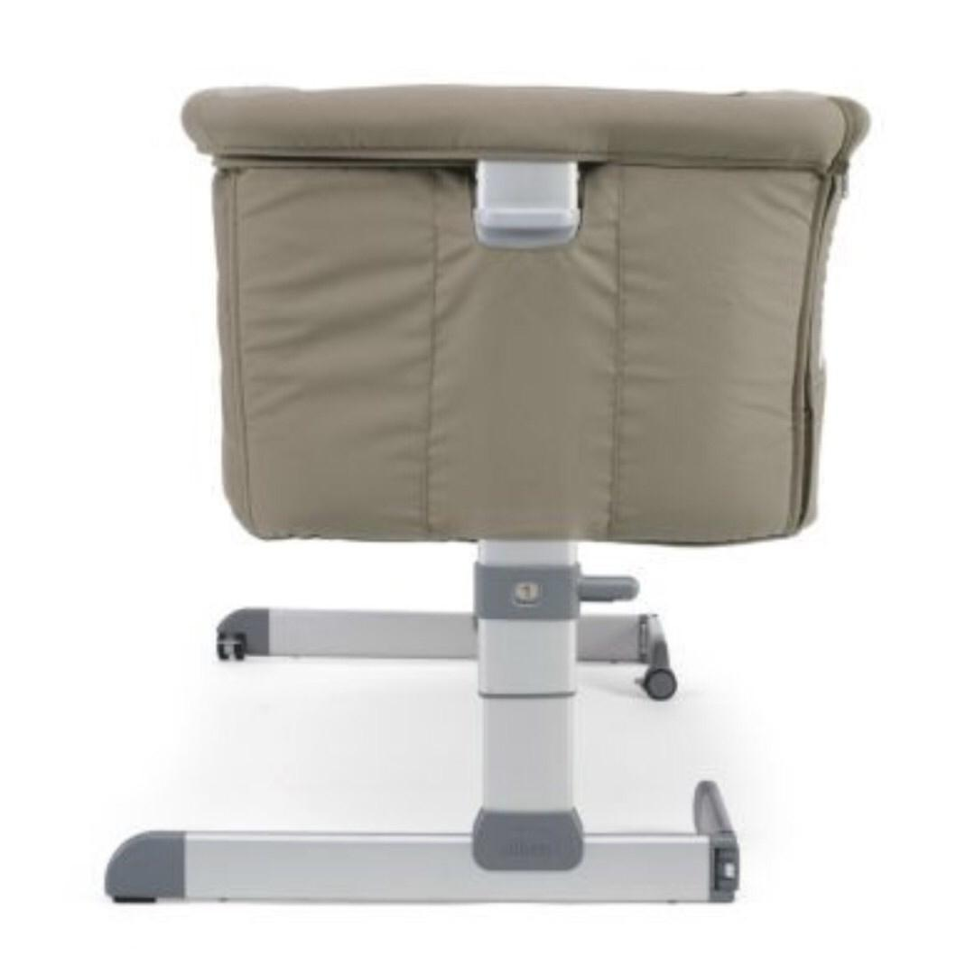 Chicco Next 2 Me Bedside Crib