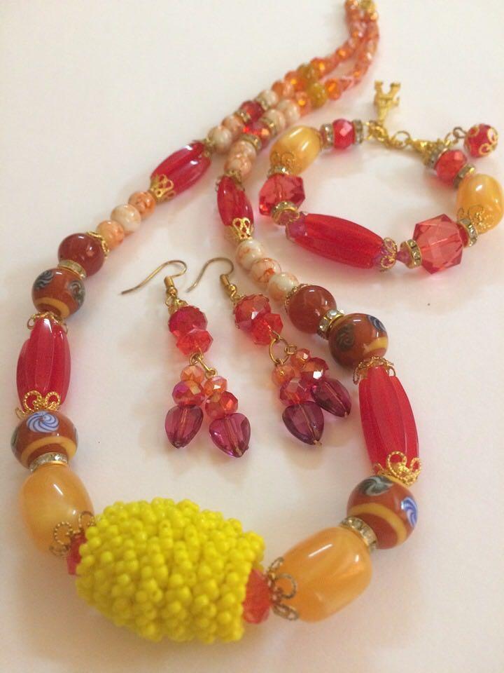 Handmade Sarawakian Set (Necklace+Bracelet+Earring)