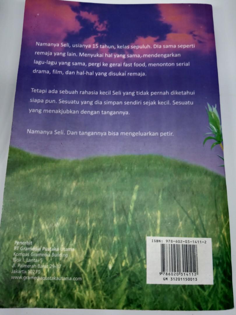 "Novel Tere Liye ""Bulan"""