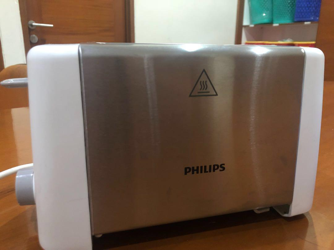 PHILIPS Pop Up Toaster HD4825 / Pemanggang Roti 800watt