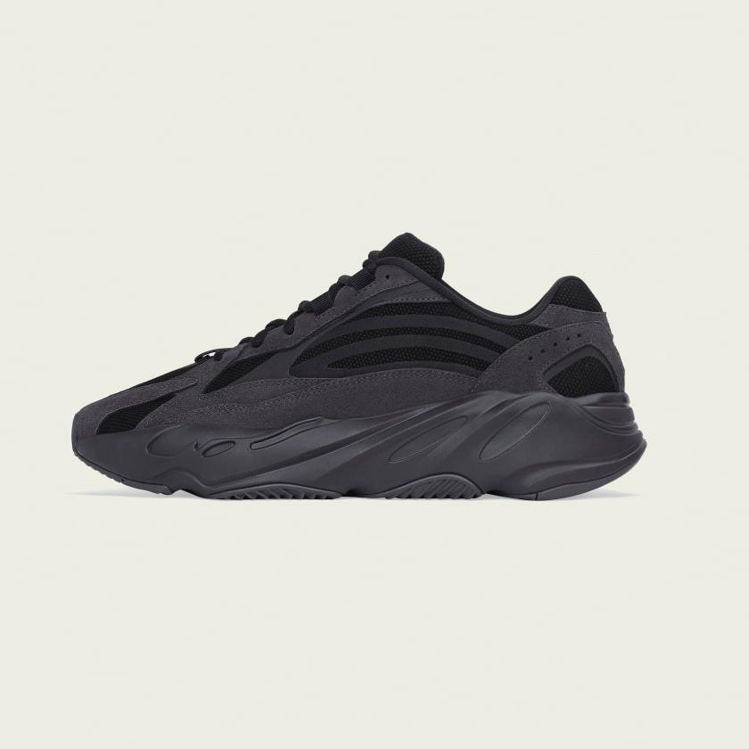 super popular 2acca a97f1 Yeezy Boots 700 V2, Women's Fashion, Shoes, Sneakers on ...