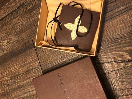 LV 紙盒