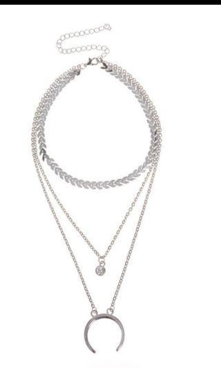Multi-layered Rhinestone necklace in silver
