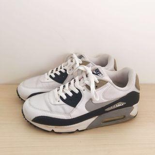 NIKE Men's Sneakers Size US 8 UK 7