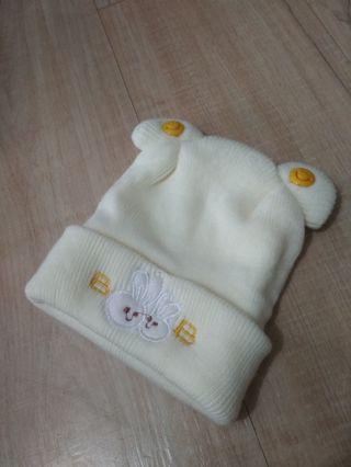 Topi bayi hangat warna kuning
