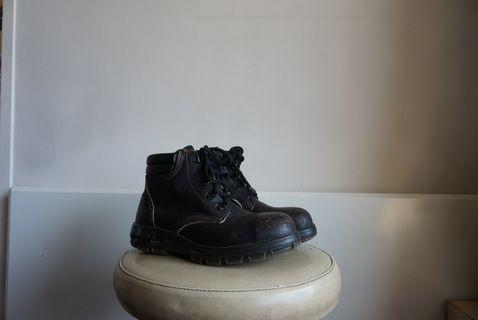 Redback Boots Brown 40