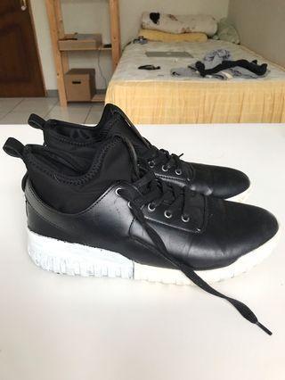 Sepatu Gioretti