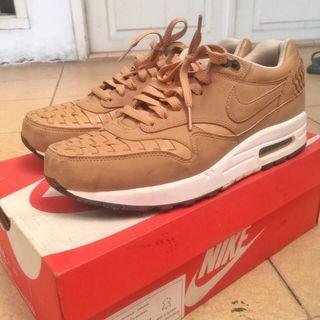 Nike air max woven 1