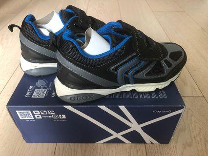 GEOX sports shoes