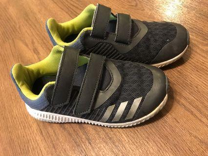 🚚 Adidas童鞋/18公分