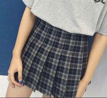 🚚 Navy Checkered Skirt