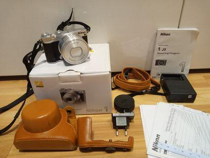 Kamera Mirrorless Nikon 1 J5 mulus