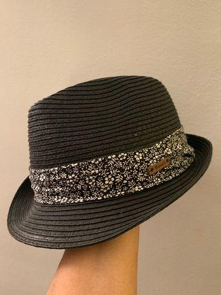 ROOTS Fedora (not my style anymore)