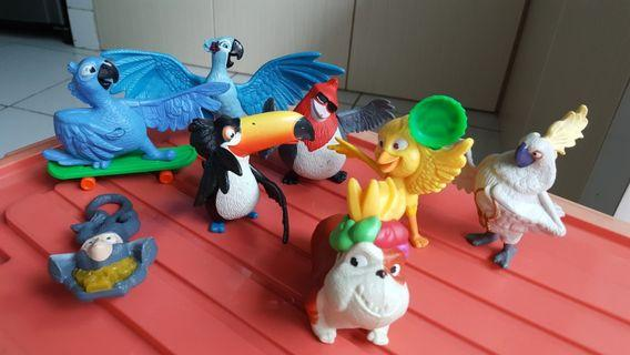 Rp. 80.000,- 1 set Mainan Happy Meal McDonalds Rio2