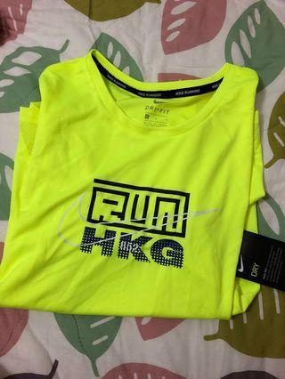 Nike Tee dri-fit 全新