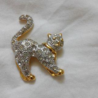 貓 - 女士 - 鑽石鑲嵌的拉刀; Kitty Cat - Ladies - Diamond-studded Broach; 猫 - 女士 - 钻石镶嵌的拉刀