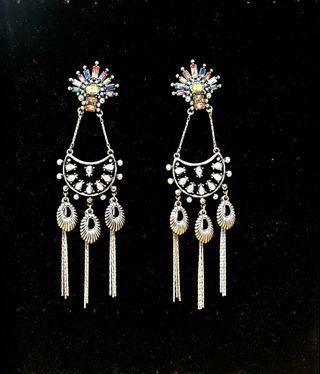 🚚 Dangling Earring