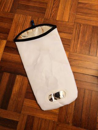 Salomon 4D water cooler pouch