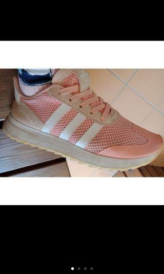 🚚 李聖經款愛迪達跑鞋粉紅色二手鞋adidas