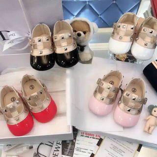 Sepatu Bayi Prewalker Valentino