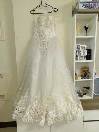🚚 白色二手婚紗