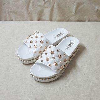 乳膠厚底小高度珠鑽拖鞋