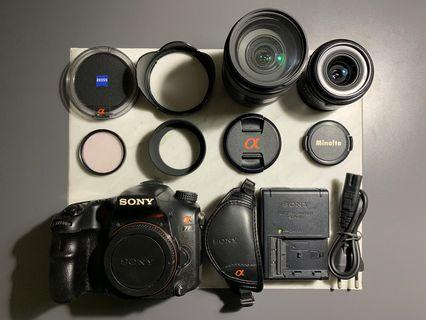 SONY Alpha A77 (Body + 2 Lenses + Travel Bag & Accessories)