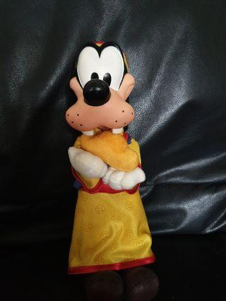 Disney Goofy in chinese costume