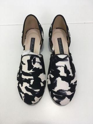 Flat shoes/ heels/ wedges/ sandal/ slip on
