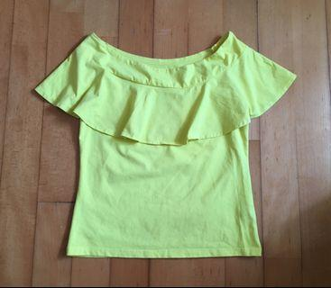 Off shoulder yellow top黃色一字膊上衣