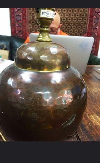 🚚 Hammered copper table lamp no shade